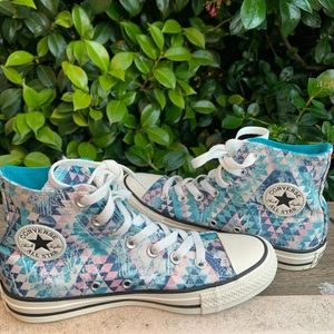 SZ 9 NEW converse with boho style pattern